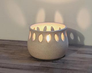 A lovely little summer candle holder for your table.
